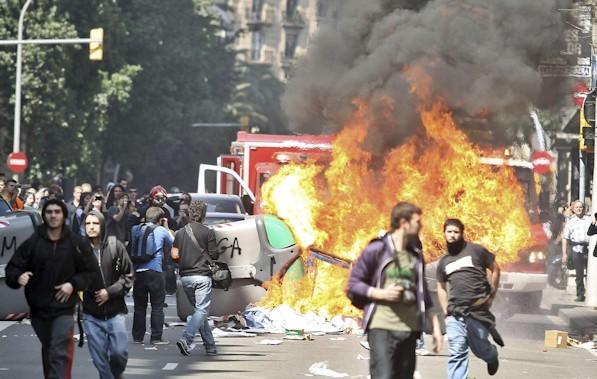 782 RN Barcelona strike violence