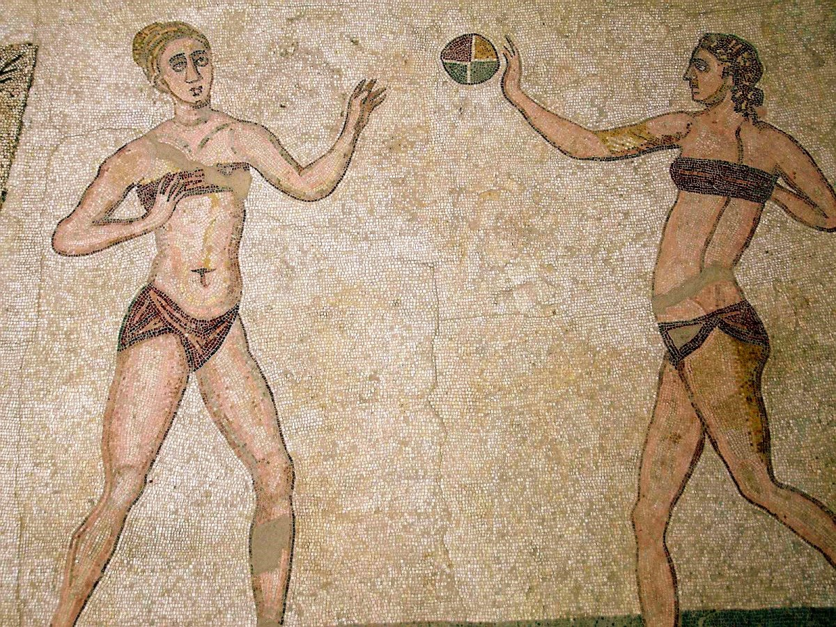 its-believed-that-the-greco-roman-world-had-bikinis-due-to-statues-and-mosaics-discovered-in-sicily-that-date-to-286-305-ad-the-images-show-women-playing-sports-in-two-piece-outfits