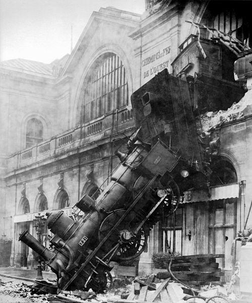 500px-Train wreck at Montparnasse 1895
