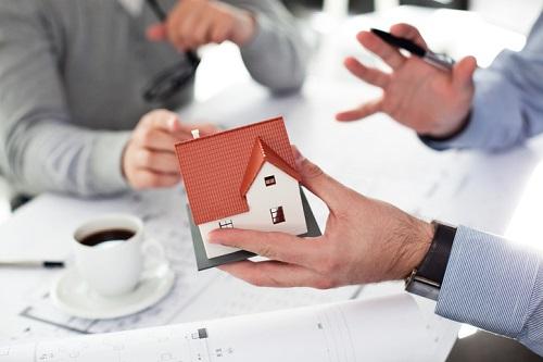 iStock-153679008-house-home-housing-plan-meet-architect