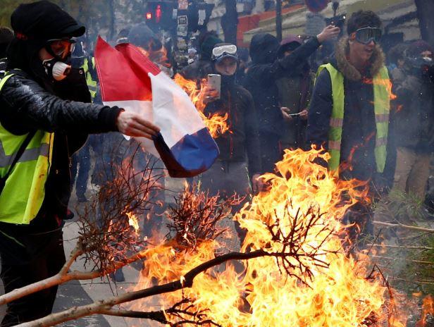 france riot