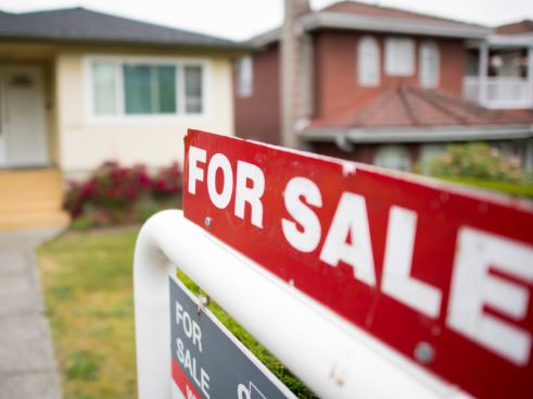 Mortgage stress test accounts for up to $15B drop in new mortgages in 2018: CIBC